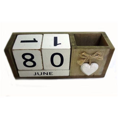 Дървен вечен календар Love на ниска цена от MaxShop