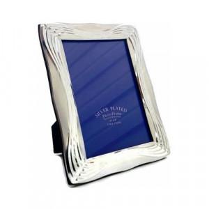 Рамка за снимки със сребърен кант