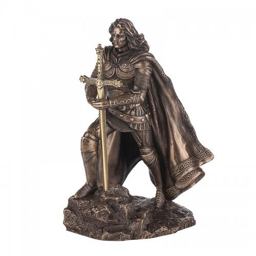 Крал Артур на ниска цена от MaxShop