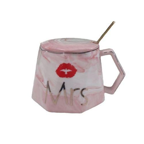 Чаша с капак и лъжичка Mrs на ниска цена от MaxShop