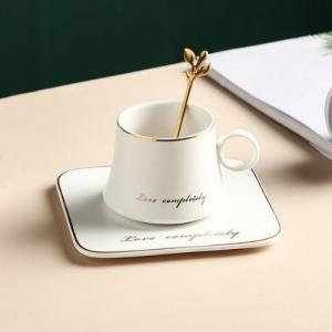 Чаша, чинийка, лъжичка White Love 160 мл
