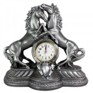 Декоративен часовник Коне